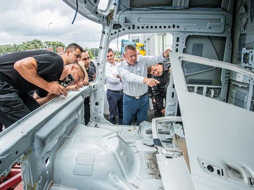 Volvo Trucks szkoli strażaków