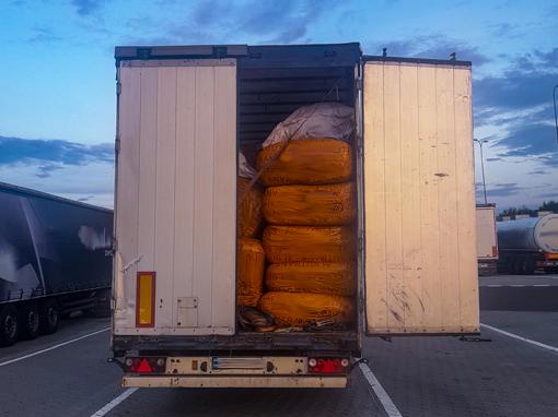 Zakaz jazdy z otwartymi drzwiami naczepy w Niemczech