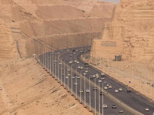 TIR-y ruszyły na trasę z Arabii Saudyjskiej do Kuwejtu