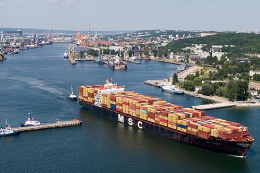 Port Gdynia: dwucyfrowy wzrost przeładunku kontenerów